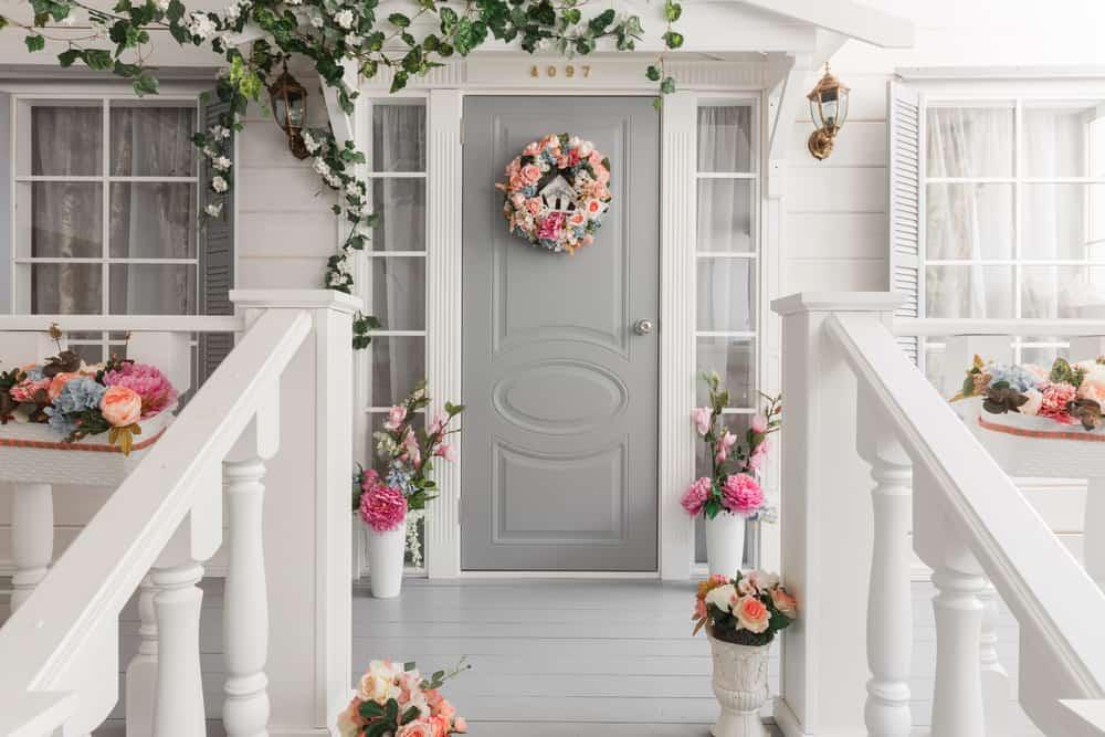 grey pink wreath flowers plants