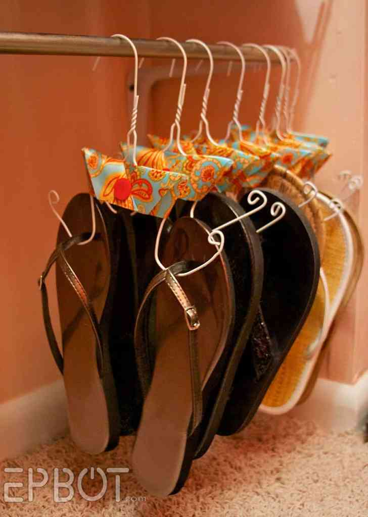 DIY Flip-Flop Hanger Do you or someone in your home have several pair of flip-flops and you have no idea what to do with them? This clever DIY flip-flop hanger is just what you need. It will save space in your closet and you can easily access whichever pair you feel like wearing. thesawguy.com