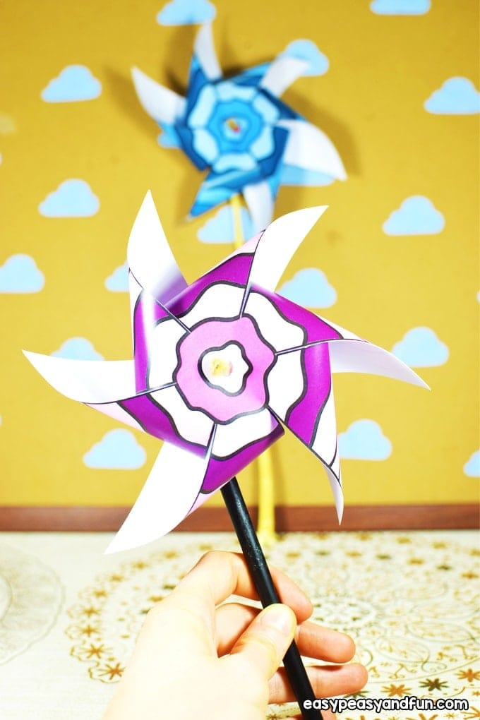 Paper Pinwheels Paper pinwheelsare a classically fun craft to make and play with. Kids big and small love to blow on a pinwheel and watch it spin. Have a peek to make your own.thesawguy.com
