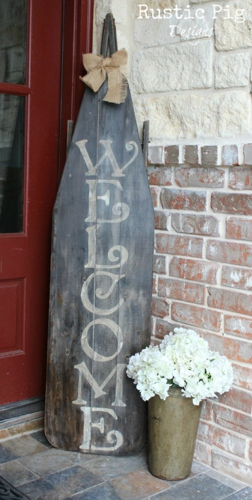 Rustic Welcome Sign How often are you at a thrift store, vintage market sale or digging around in storage and come across an old ironing board? Now we finally have a unique way upcycle the ironing board into a beautiful rustic welcome sign. Easy, looks terrific, and cheap to make! Triple threat! thesawguy.com