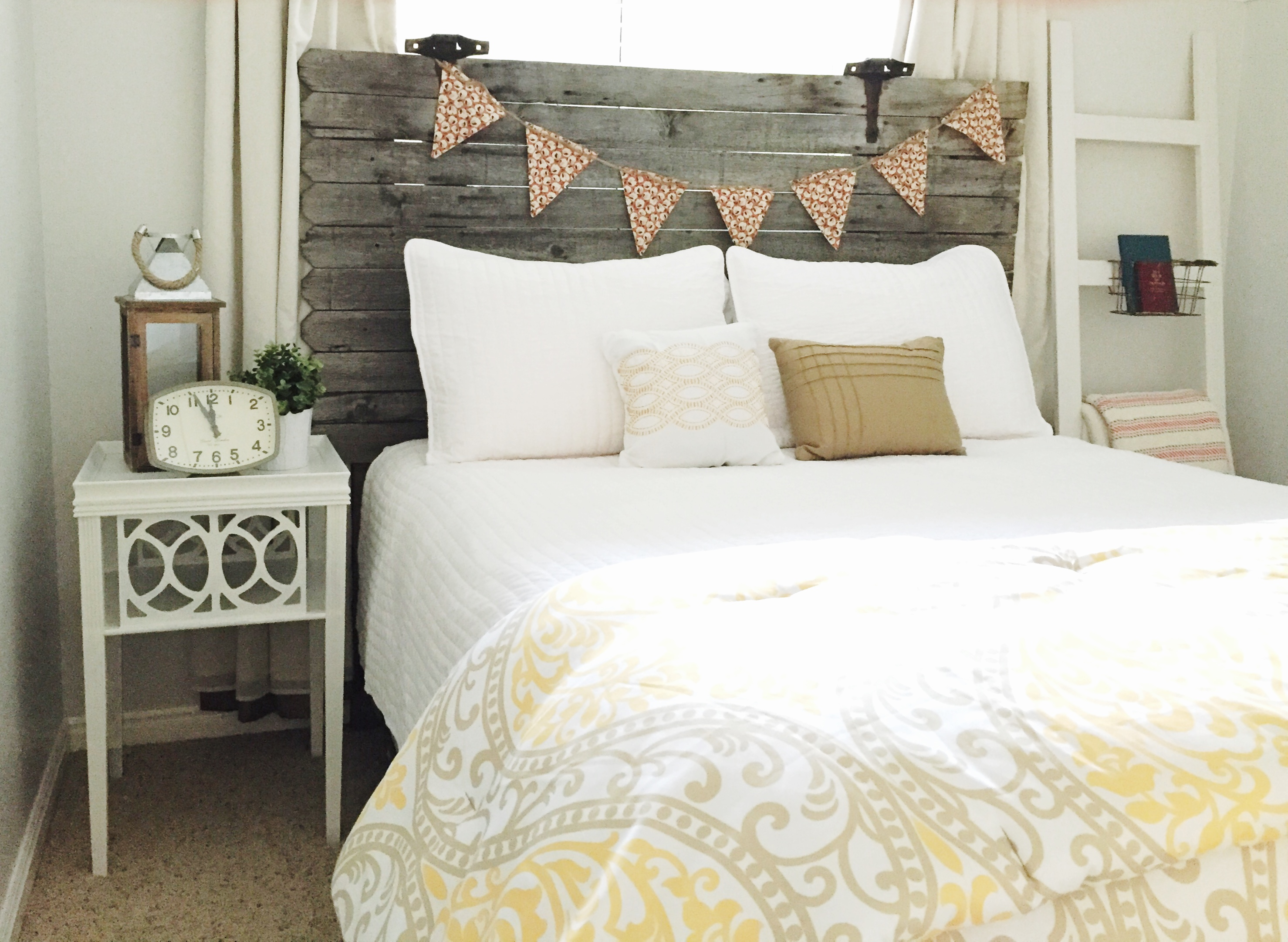 Turn A Fence Gate Into A Headboard The Schmidt Home