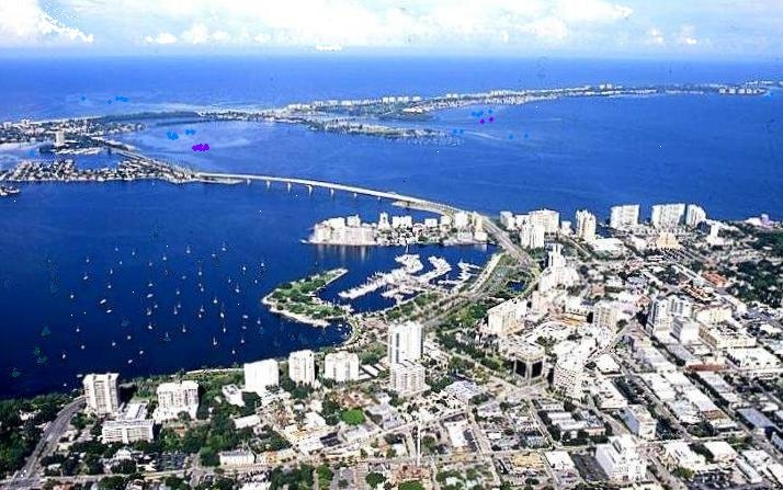Sarasota_Florida_-_83d40m_-_from_mainland_across_bay_front_to_Gulf_of_Mexico_-_new_bridge