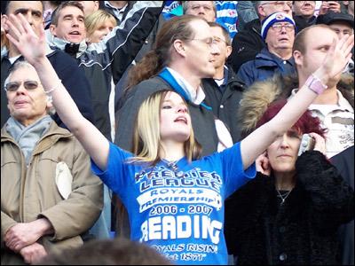Reading fans