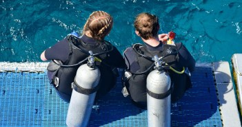 Tips for Protecting Your Hair and Skin as a Scuba Diver
