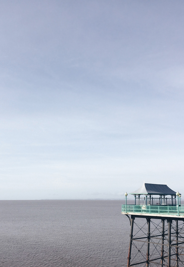 A walk along Clevedon Pier | These Four Walls blog