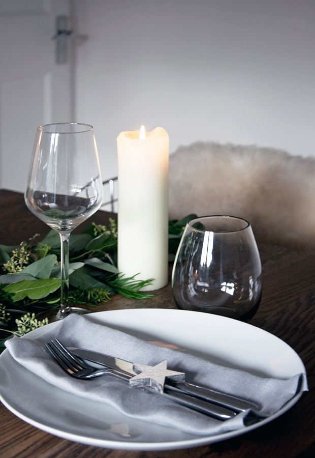 Styling a winter table | These Four Walls blog