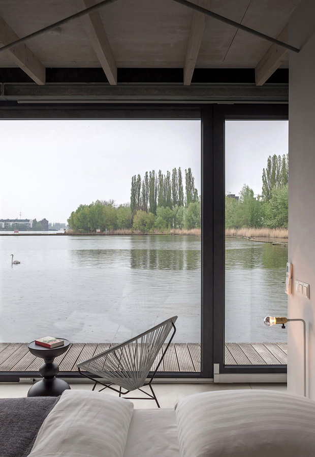 Home tour | A sleek Berlin houseboat | These Four Walls blog