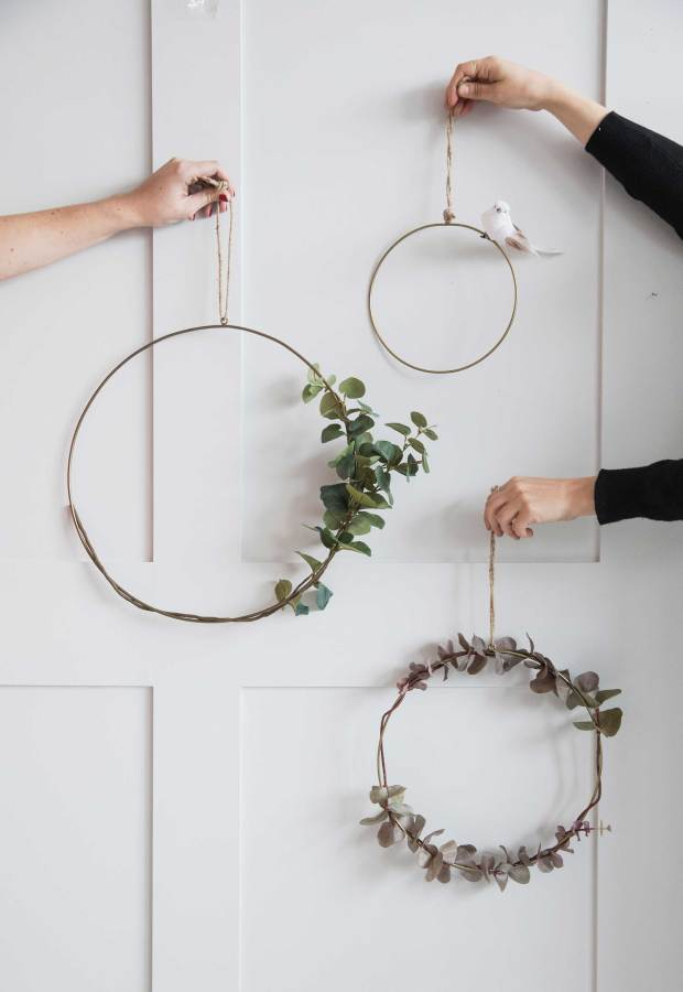 12 of the best minimalist metal wreaths | These Four Walls blog