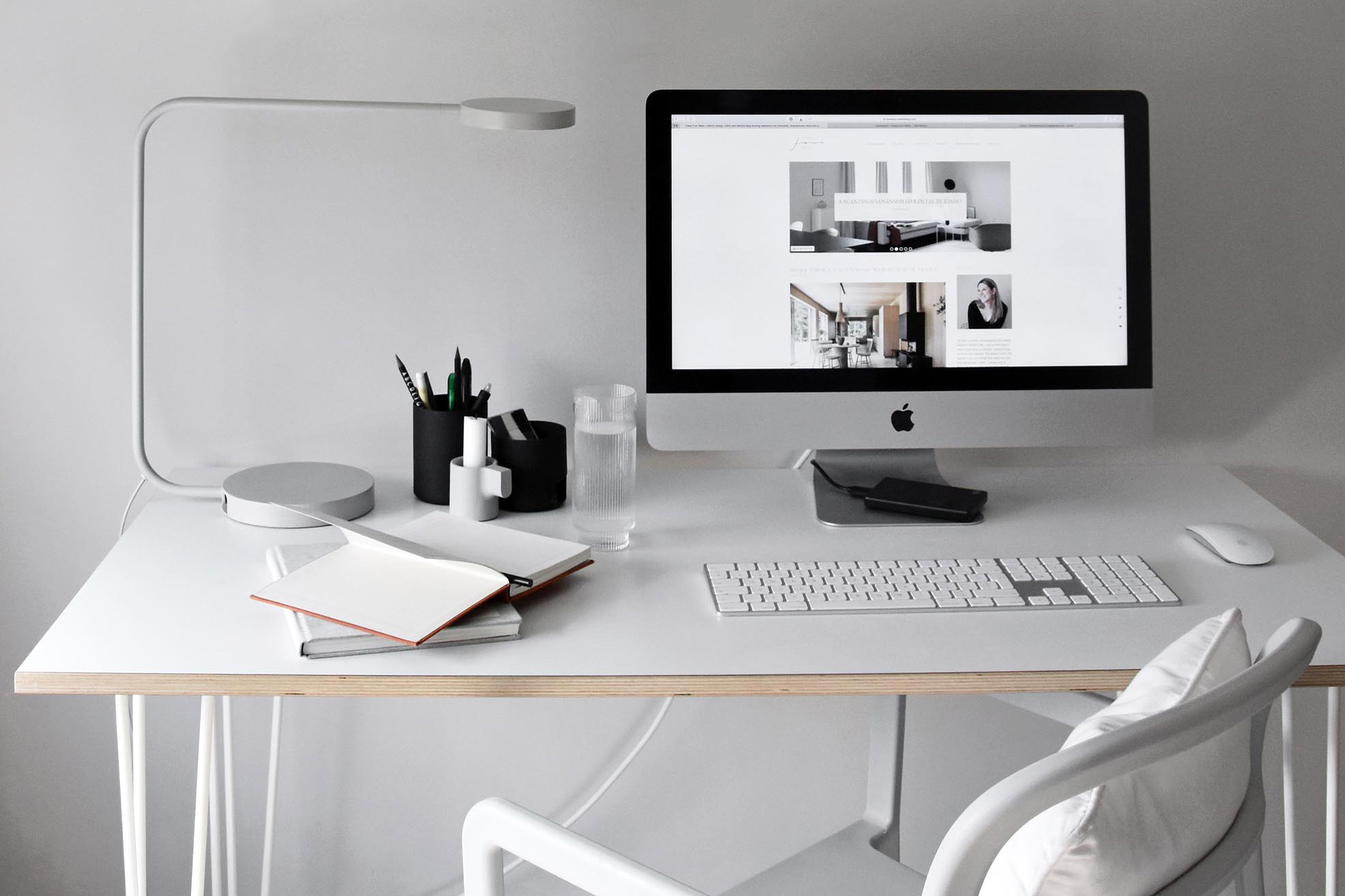 15 Of The Best Minimalist Desks These Four Walls