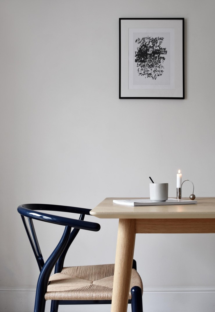 The iconic CH24 'Wishbone' chair turns navy blue | These Four Walls blog