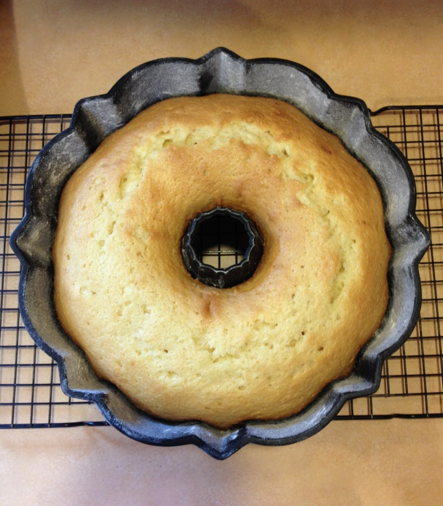 Vanilla Bundt Cake (made with oil)