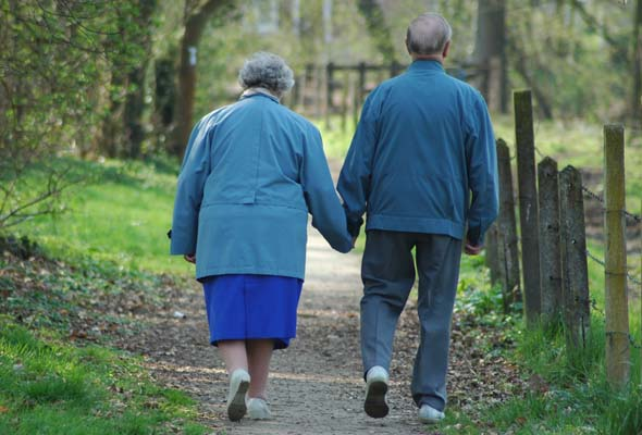 Early detection of cancer could mean many more years of hand-holding. (Photo: stock.xchng)