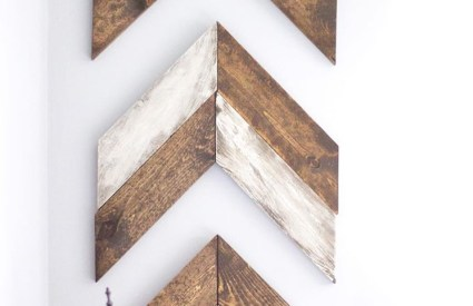 DIY Chevron Wooden Arrows : Painting & Distressing