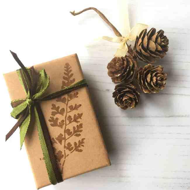 Shinrin Yoku Tree of Life Aromatherapy Pnedant Locket Gift Set from the Sensory Coach