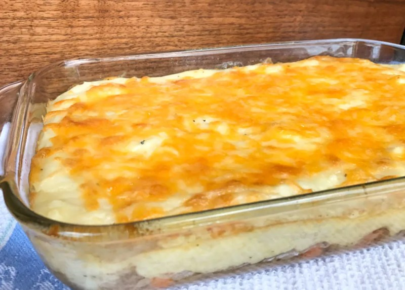 You can use pre-cooked mashed potatoes to quickly whip up this Easy Shepherd's Pie for a dinner that your entire family will love.