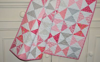Hourglass Baby Quilt – A Finished Quilt