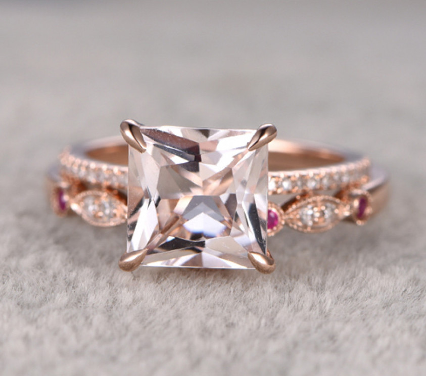 gold_engagement_ring