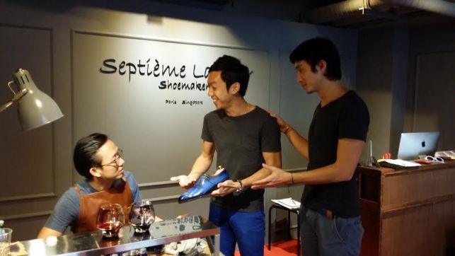 Septieme Largeur Expand to Singapore