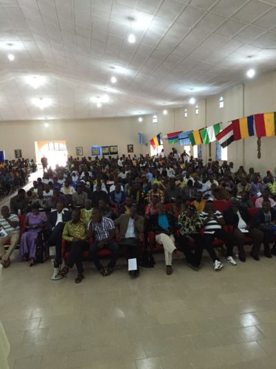 Yumkella engages makeni students1
