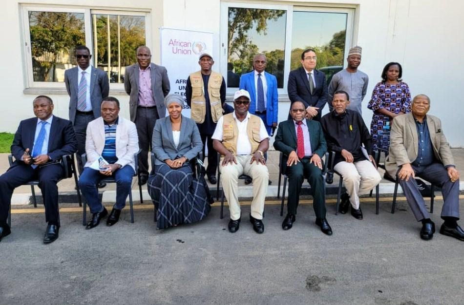 Former President Koroma of Sierra Leone addresses AU elections observer team in Zambia 2