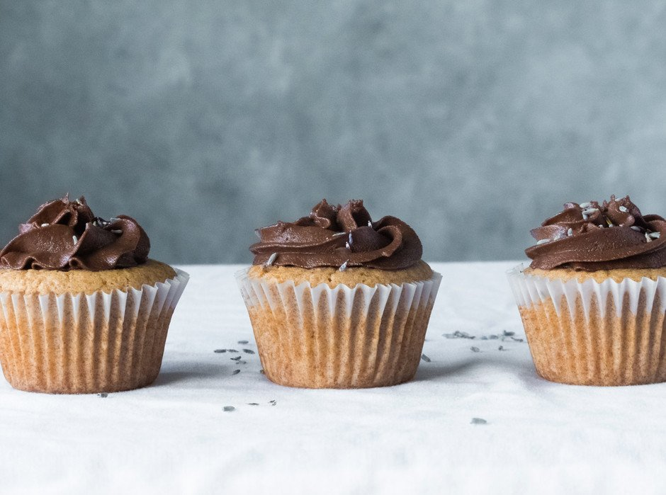Vanilla Cupcakes w Choc lavender frosting