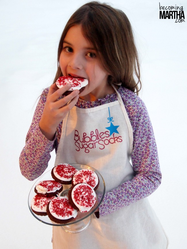 Kids Elf Name Apron from The Simply Crafted Life