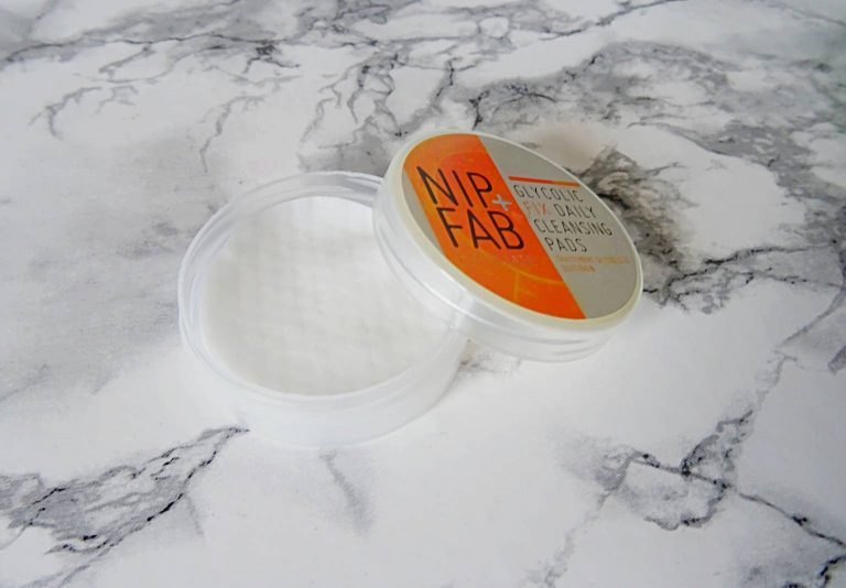 NIP+FAB GLYCOLIC FIX DAILY CLEANSING PADS REVIEW