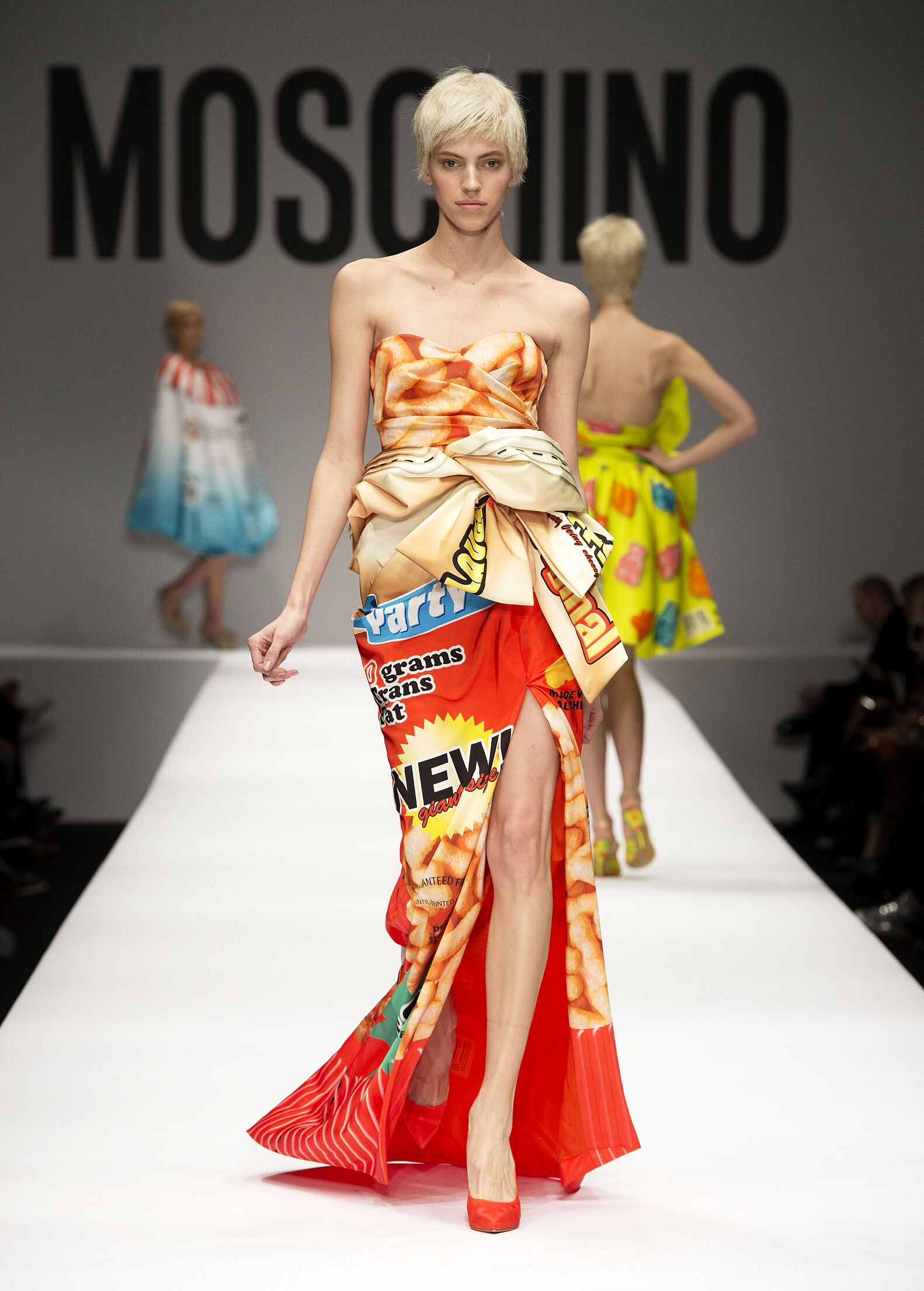 MOSCHINO FALL WINTER 2014 15 WOMENS COLLECTION The