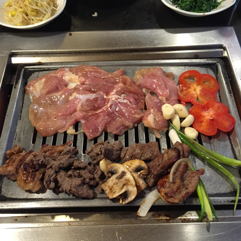 Korean BBQ Feasting at Seoul Garden | The Skinny Pig