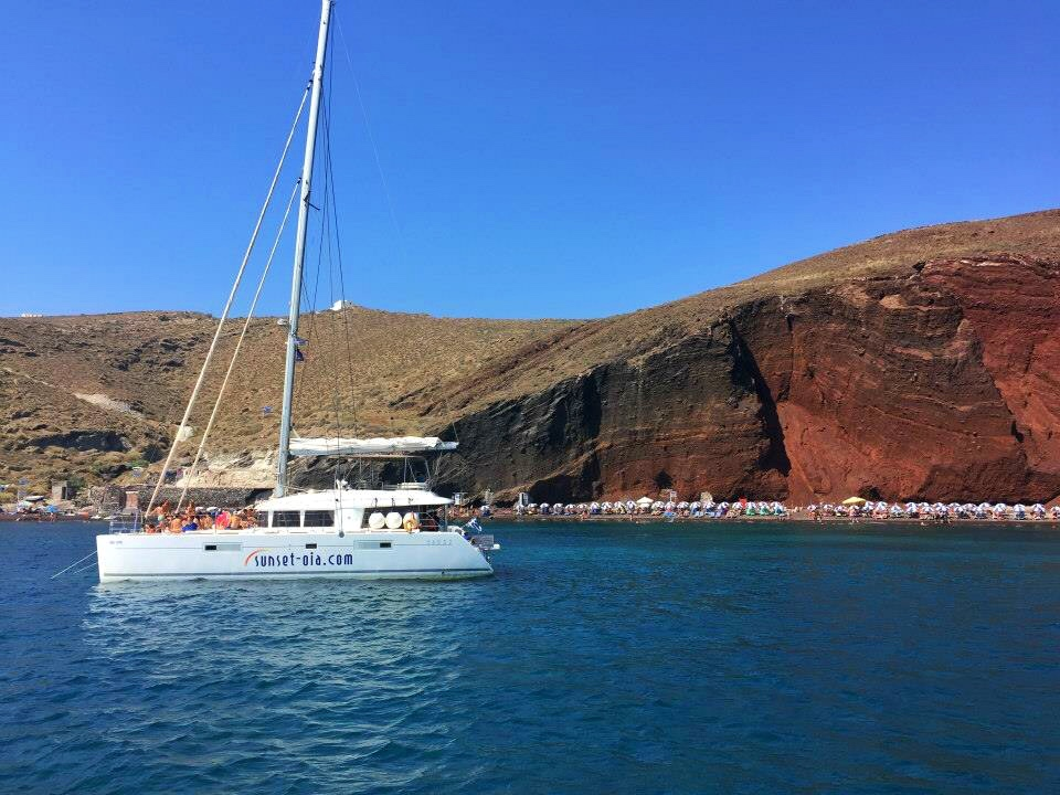 Santorini boat 2