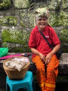 Pelabuhan Tomok Market Peanut Lady