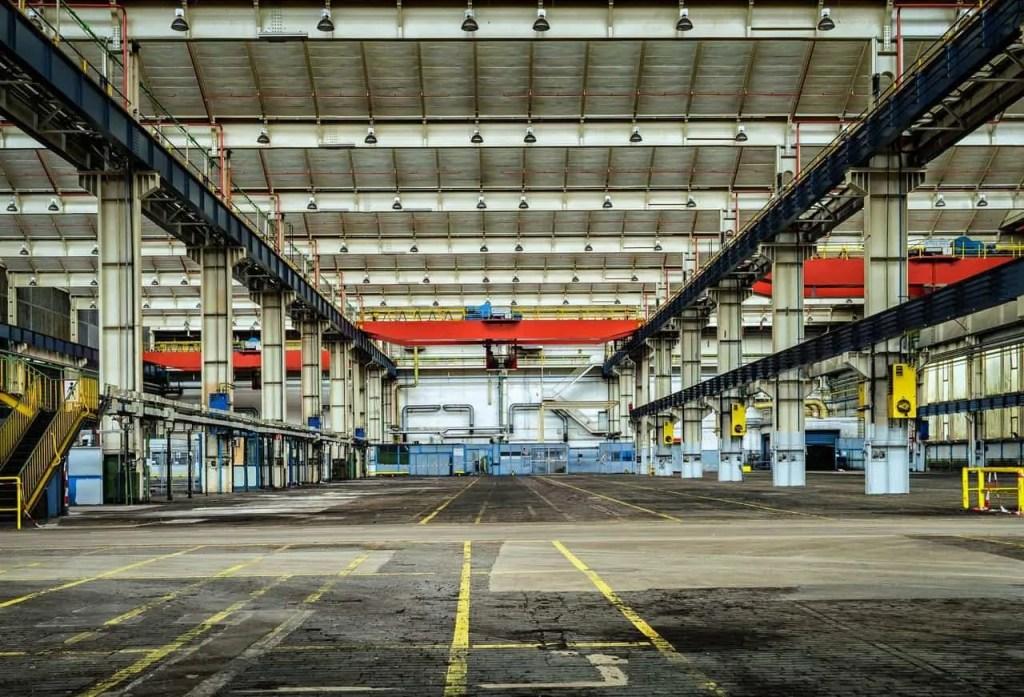 glass manufacturer