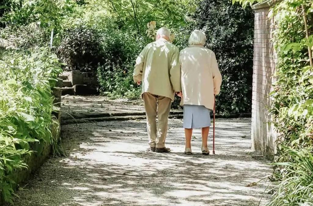 Choosing the Right Footwear for Seniors