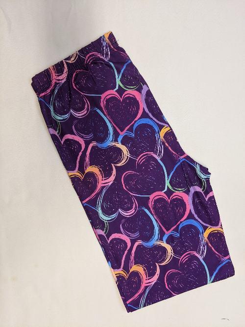 Heart Away Capri Length Regular Band Printed Leggings