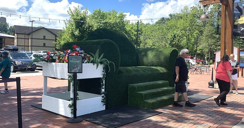 Topiary Joe's green couch at Anakeesta (photo by Morgan Overholt/TheSmokies.com)