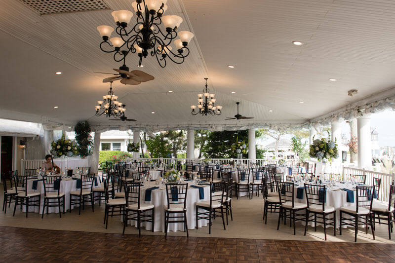 The Snapper Inn Wedding Rooms Waterside Dining On The Banks Of The Connetquot River