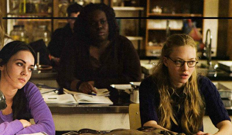 Megan Fox and Amanda Seyfried in Jennifer's Body movie image