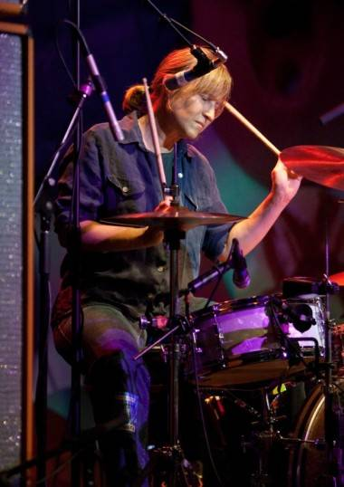 Georgia Hubley with Yo La Tengo concert photo
