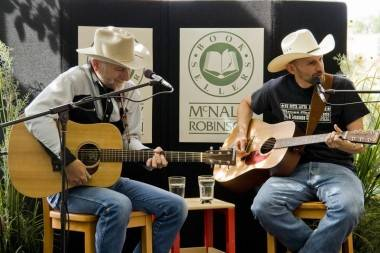 Ridley Bent and Chris Dunn at McNally Robinson, Winnipeg, July 23 2010. Merrit Rawsthorne photo