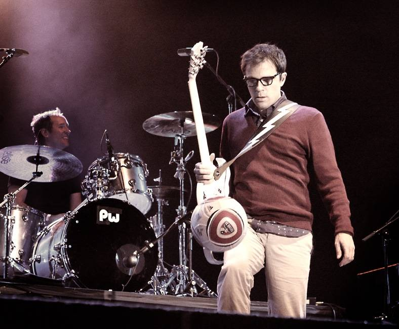 Rivers Cuomo with Weezer Live at Squamish Aug 21 2011. Tamara Lee photo
