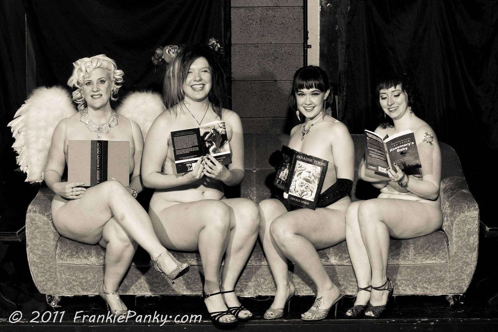 reading Naked girls