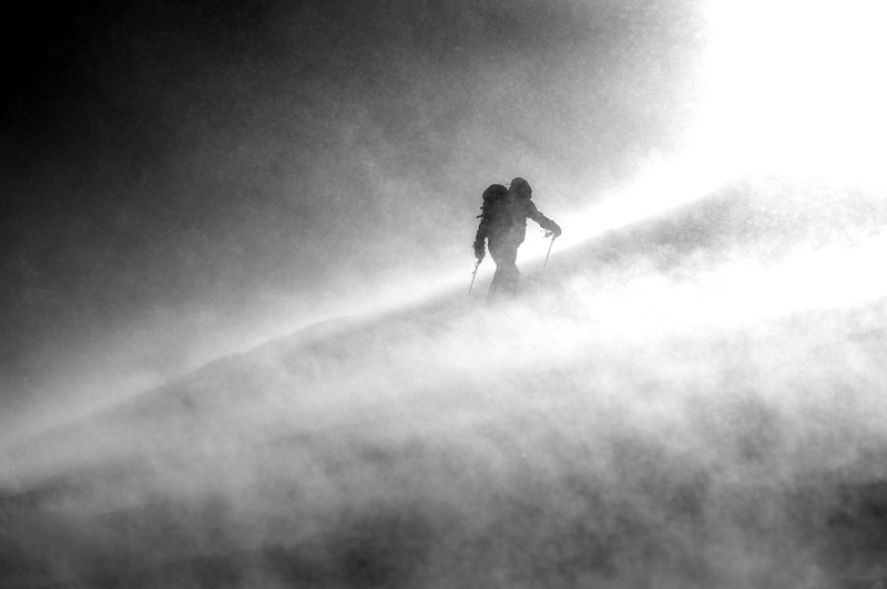 ski_touring_gale_force_winds_6401_2208