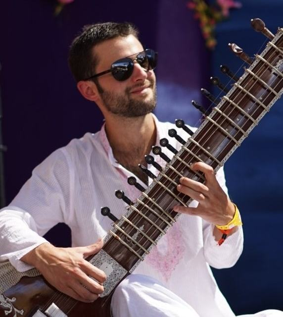 Award-Winning Musician Teaching 1000-Year-Old Hindustani Music to a New Generation of Artists