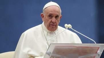 """""""Mi volevano morto. Preparavano il conclave"""". L'ultima rivelazione di Papa Francesco sulla sua malattia"""