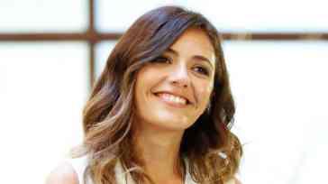 Serena Rossi chi è: tutto sull'attrice e conduttrice di Rai1 ospite di Da Grande di Alessandro Cattelan