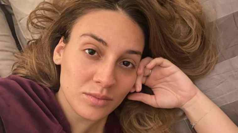 Francesca Manzini: la malattia, il fidanzato sosia e gli amori finiti dell'imitatrice ospite di Top Dieci