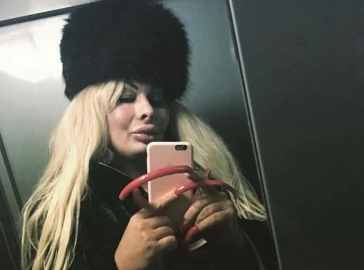 """Elenoire Ferruzzi, il video-messaggio dell'influencer dopo 4 mesi di ricovero per Coronavirus: """"Stavo morendo"""""""