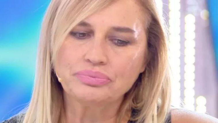 """Lory Del Santo rivela: """"Hanno tentato di uccidermi"""", il terribile racconto dell'attrice e showgirl"""