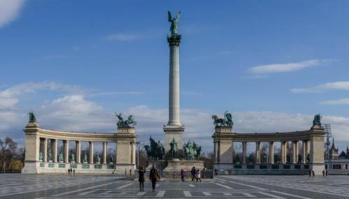 Heroes Square   Photo Journal: Budapest, a pearl in the Danube   The Solivagant Soul
