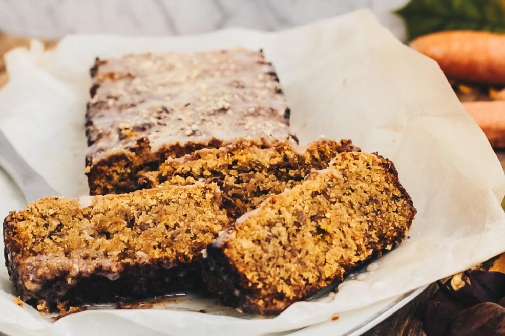 Veganer Karottenkuchen mit Haselnüssen und Kastanien vegan backen Sophisticated Sisters Food Backblog Vienna
